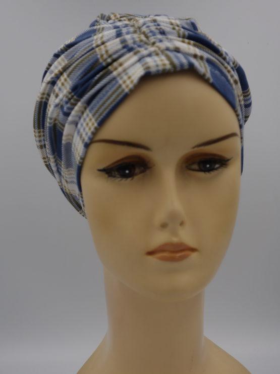 Niebieski czepek drapowany w kratę