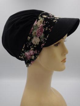 Czarna modna czapka z daszkiem