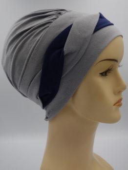 Popielata modna czapka