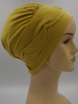 Miodowa modna czapka