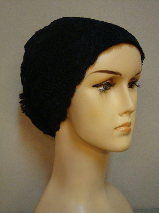 Czarny koronkowy turban na bawełnianej podstawie