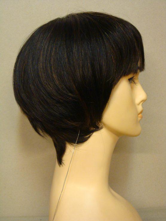 Krótka naturalna peruka czerń z jaśniejszymi refleksami