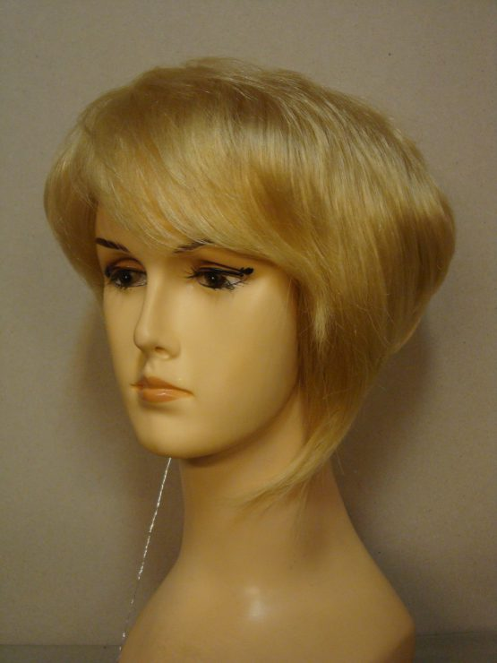 Krótka naturalna peruka w kolorze jasnego blondu