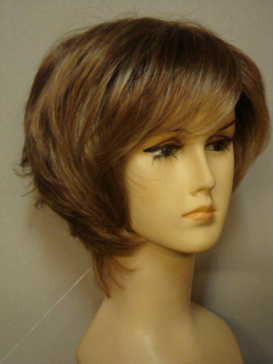 Krótka peruka koniakowy blond pocieniowana