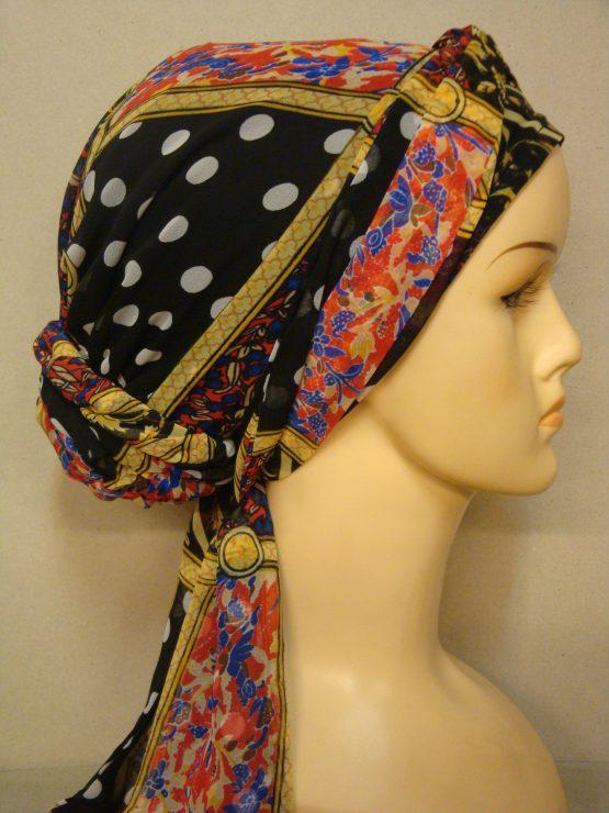 Czarny turban w kolorowe wzory
