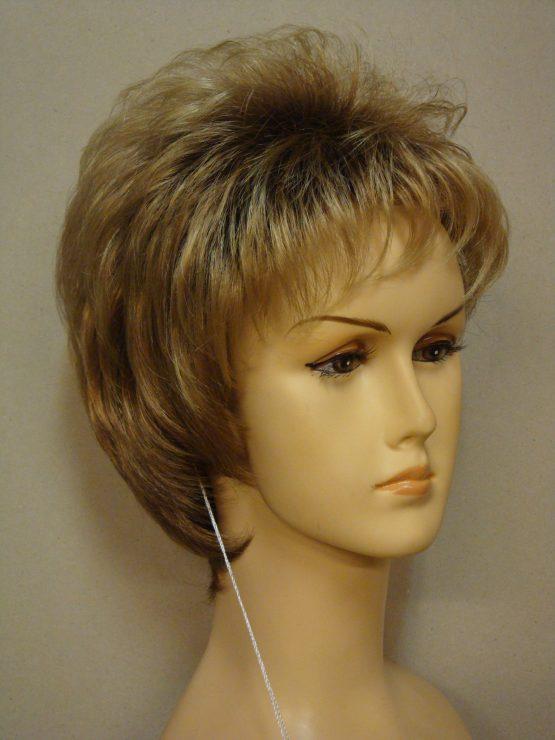 """Krótka peruka złoty blond na ciemniejszej podstawie """"jeżyk"""""""