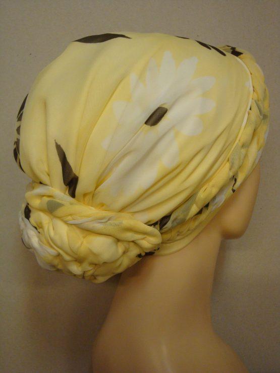 Słoneczny turban z jedwabnej żorżety w kwiaty