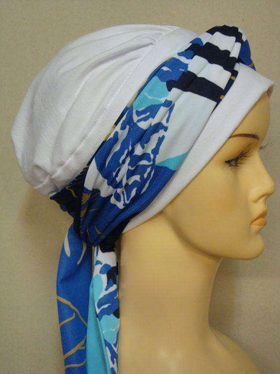 Biała chusta modny wzór z kolorową dekoracją