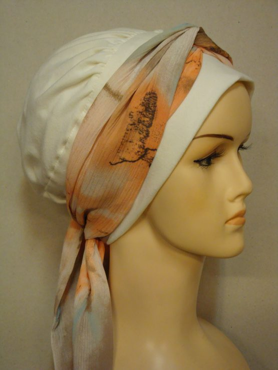 Ecru chusta modny wzór z pomarańczową dekoracją