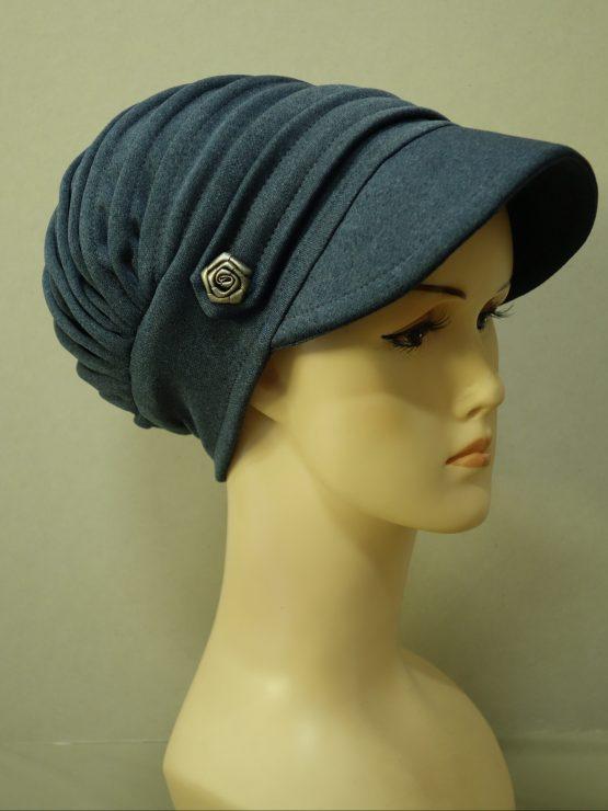 Niebieska modna czapka z daszkiem
