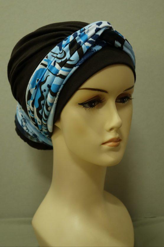 Brązowy turban ze wzorzystą dekoracją