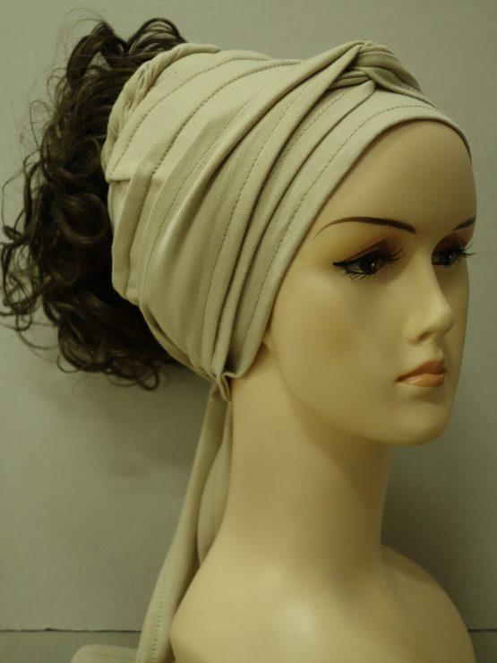 Włosy na opasce - kręcone szatyn