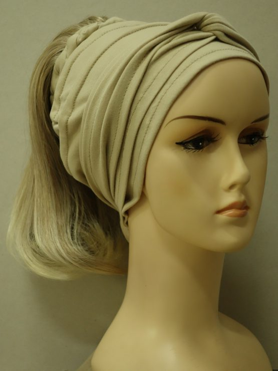 Włosy na opasce - proste blond
