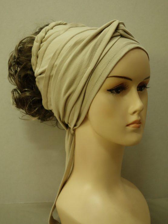 Włosy na opasce - kręcone szatyn z pasemkami
