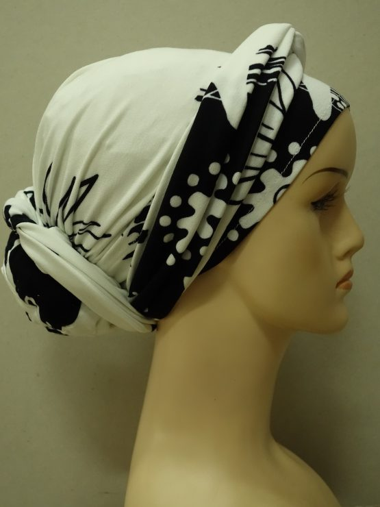 Ecru turban w kwaty z dekoracją