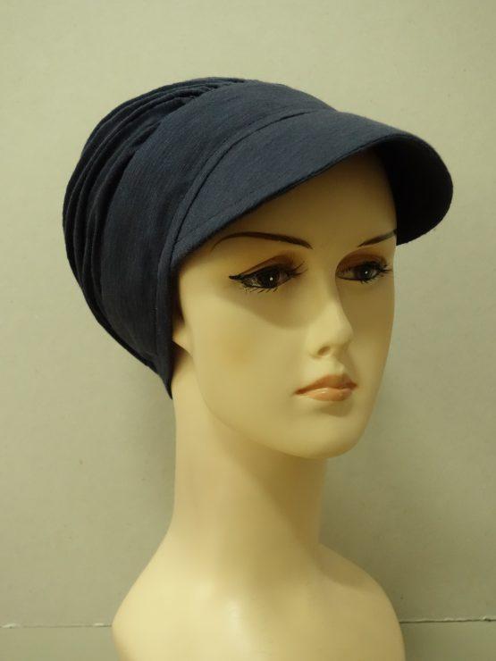 Granatowa modna czapka z daszkiem