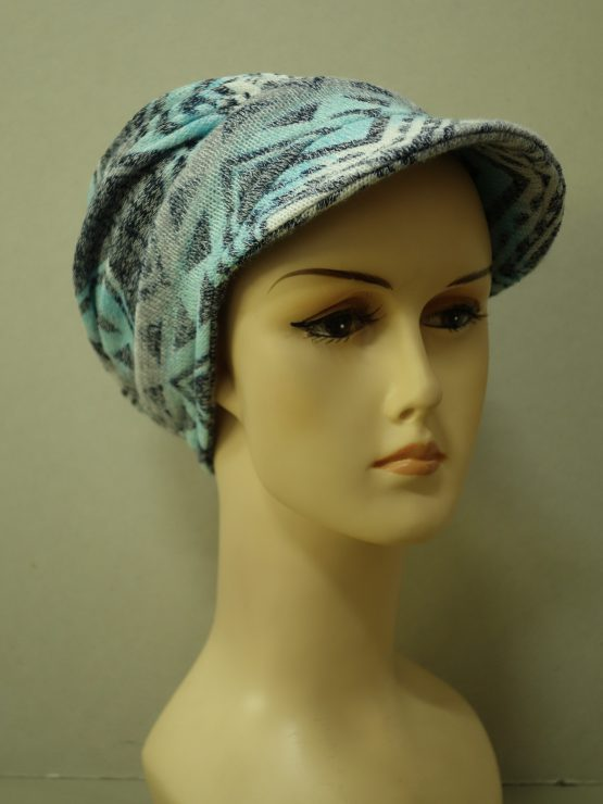 Popielato-niebieska modna czapka z daszkiem