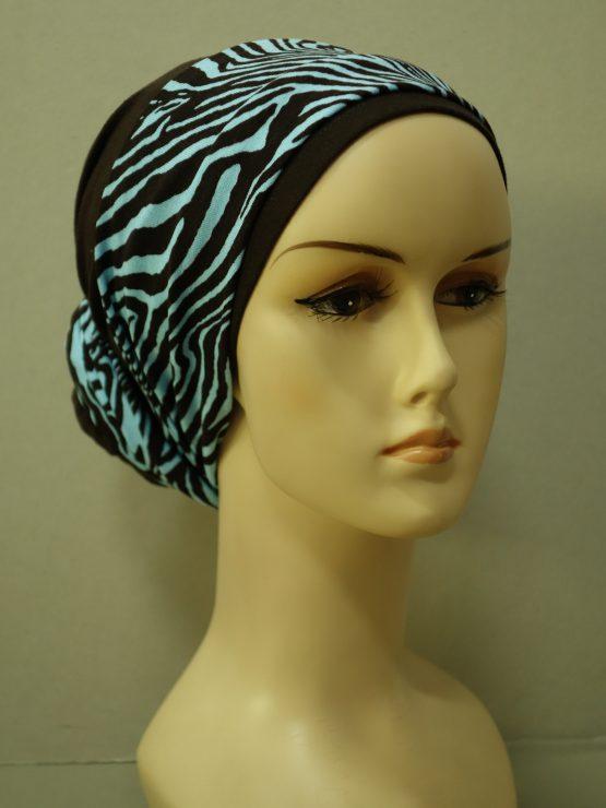 Brązowy turban z dekoracją w zebrę