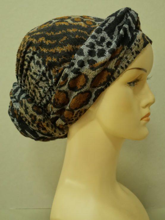 """Brązowa """"panterka"""" turban z dekoracją"""