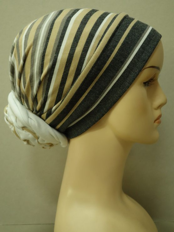 Beżowy turban w paseczki