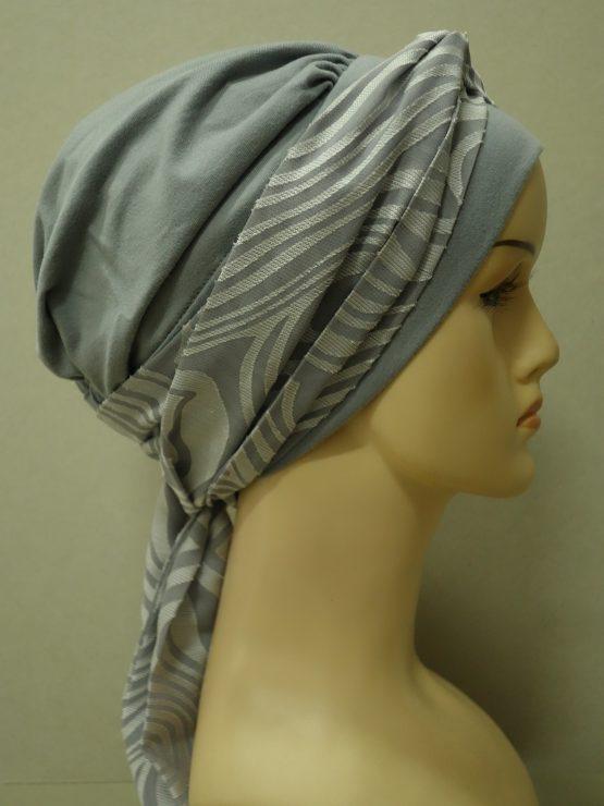 Popielata chusta modny wzór z dekoracją w srebrzyste wzory