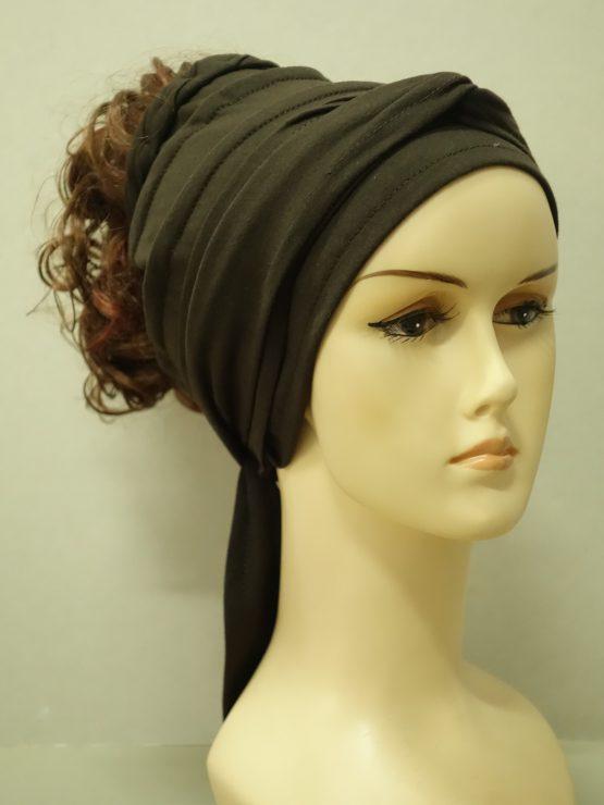 Włosy na opasce - kręcony brąz z rudawymi pasemkami