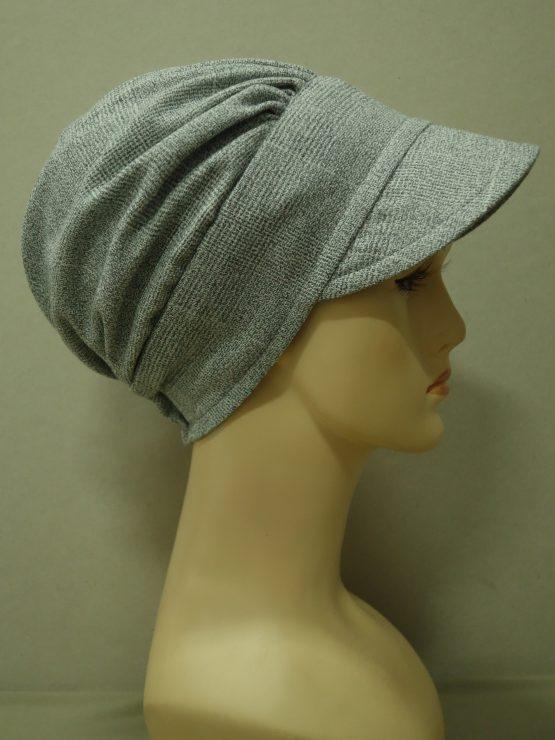 Popielata modna czapka z daszkiem
