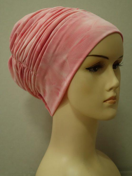 Brzoskwiniowa drapowana czapka