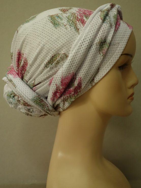 Biały turban w kwiaty