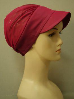 Malinowa modna czapka z daszkiem