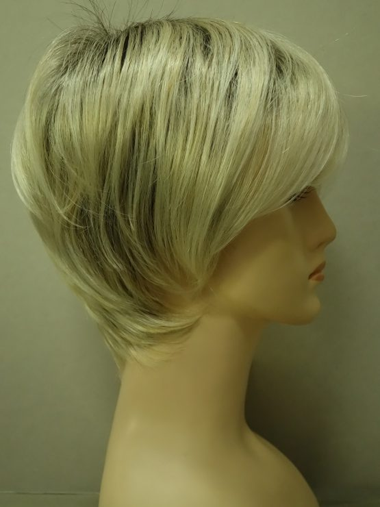 Krótka peruka platynowy blond na ciemniejszej podstawie