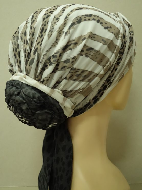 Beżowy turban w panterkę