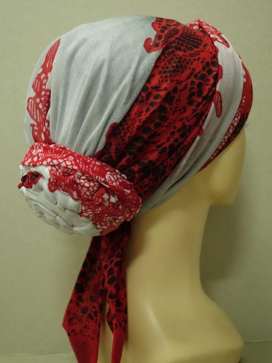 Czerwono-popielaty turban we wzory
