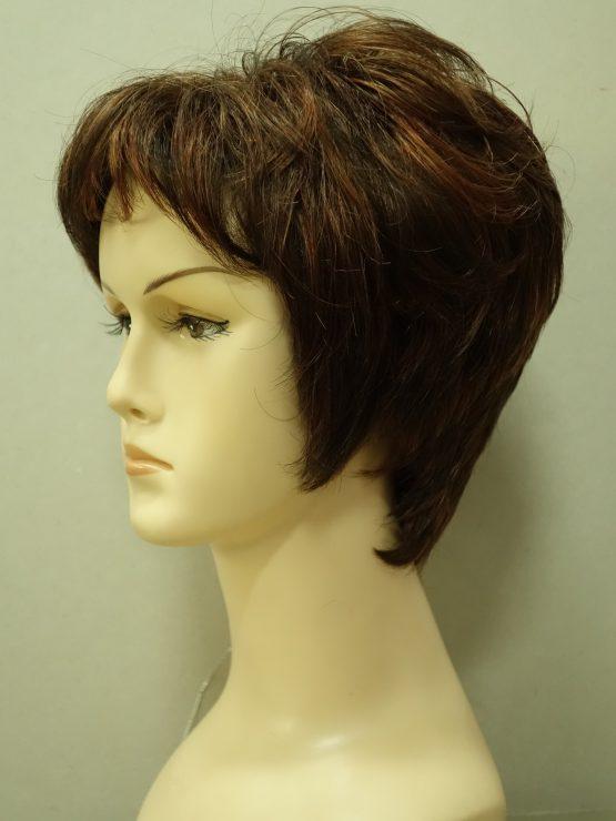 Krótka peruka brąz z refleksami lekko kręcona