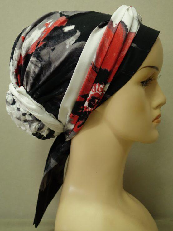 Czarno-biały turban z motywem kwiatowym