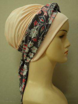 Brzoskwiniowa chusta modny wzór z dekoracją w kwiaty