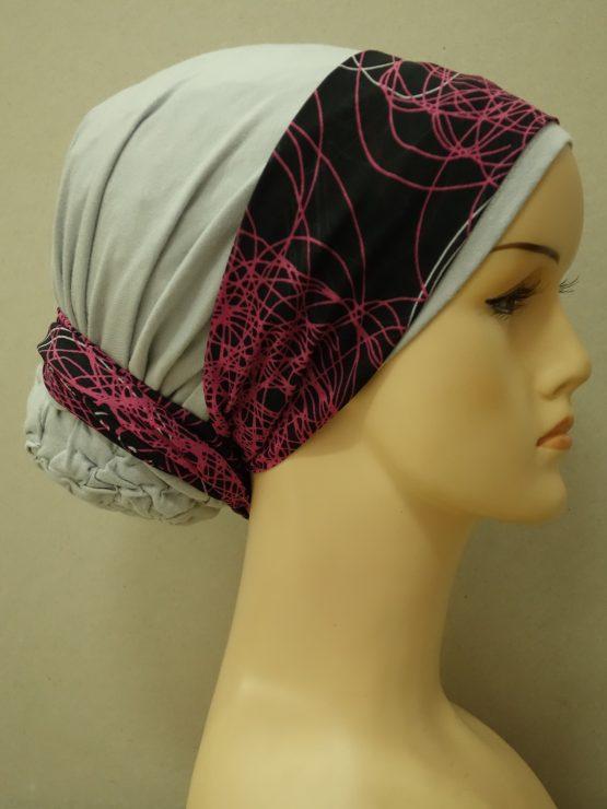Popielaty turban z wzorzystą dekoracją