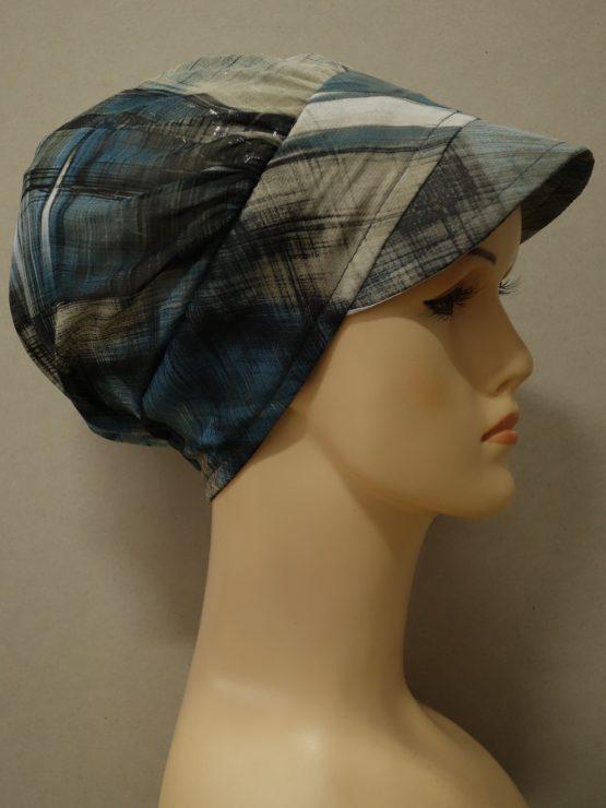 Beżowo-niebieska modna czapka z daszkiem we wzory