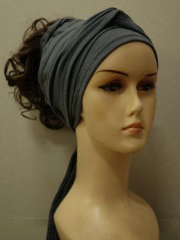 Włosy na opasce - krótkie kręcone szatyn na popielatej opasce