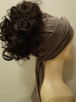Włosy na opasce - krótkie kręcone brąz na opasce