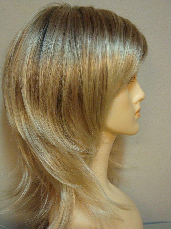 Półdługa peruka blond wycieniowana