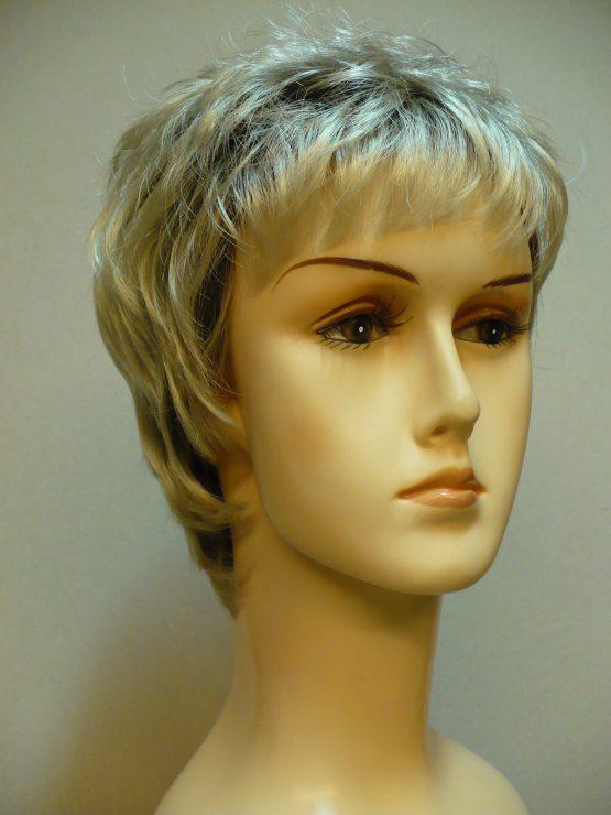 Krótka platynowy blond