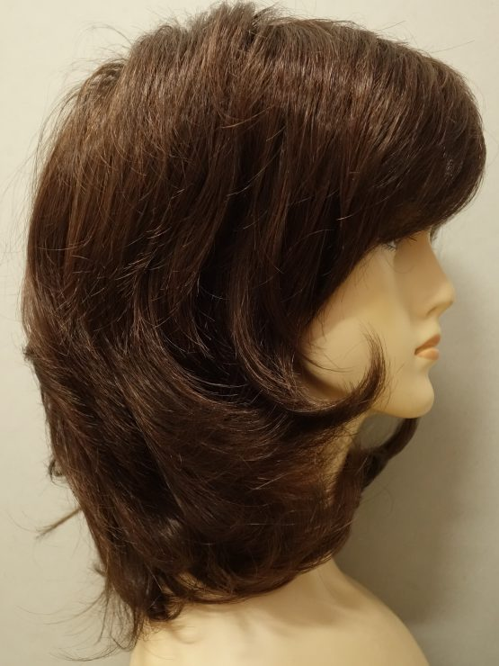 Krótka peruka wycieniowana w kolorze czekoladowym