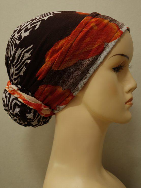 Brązowy turban z rantem w kwiaty