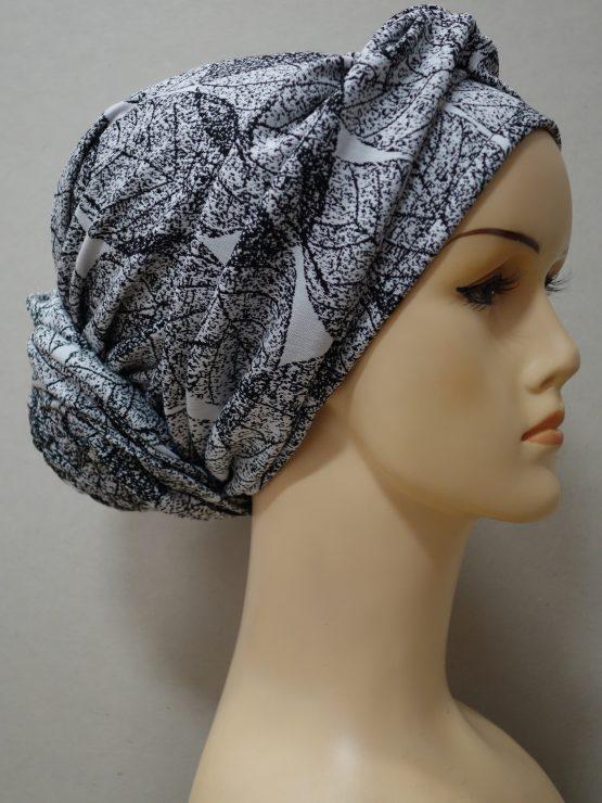 Biało-czarny turban w liście