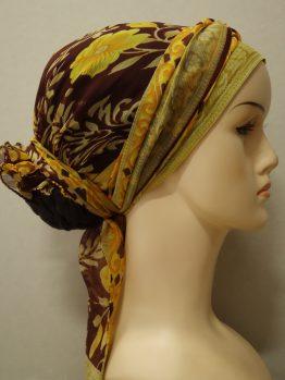 Brązowy turban w żółte kwiaty