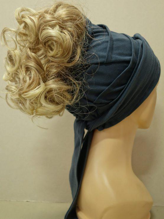 Włosy krótkie kręcone blond na grafitowej opasce