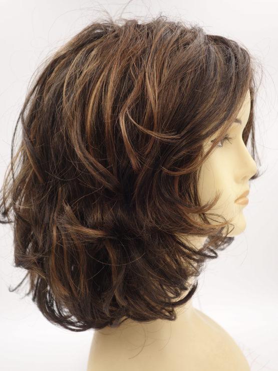 Półdługa peruka brąz kręcona
