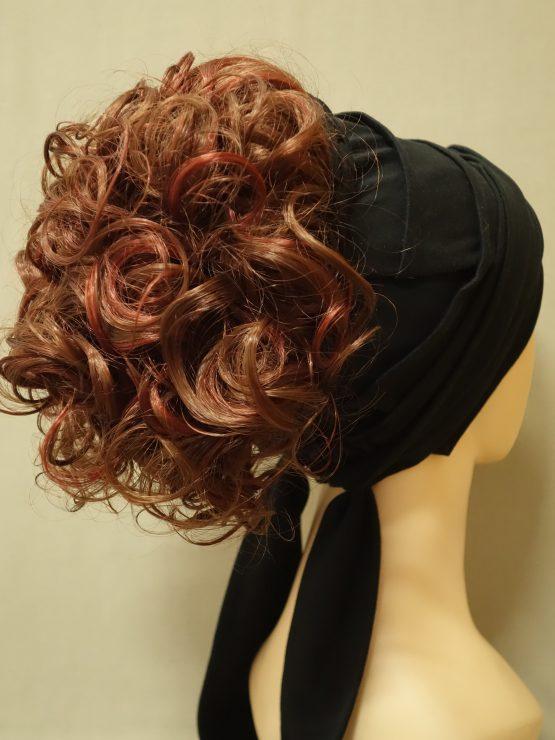 Włosy kręcone rude z refleksami na opasce w kolorze czarnym