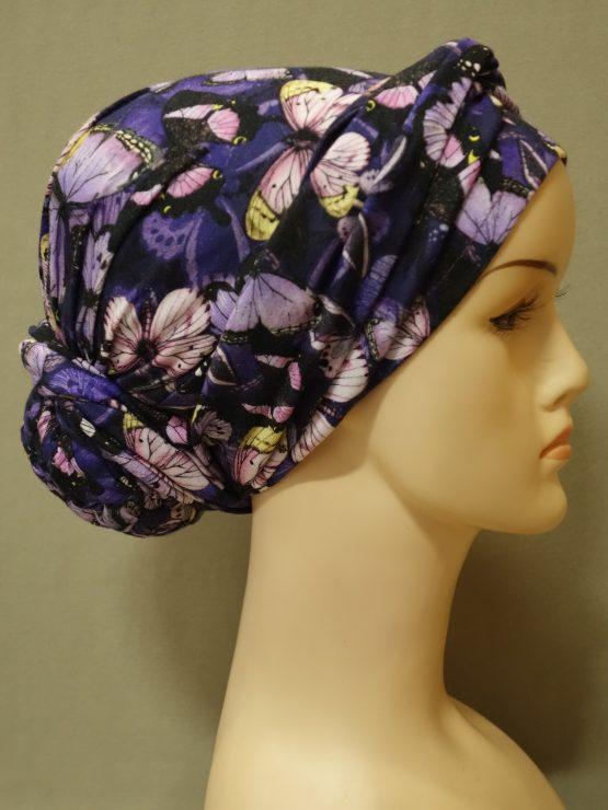 Fioletowy turban w różowe motyle z dekoracją